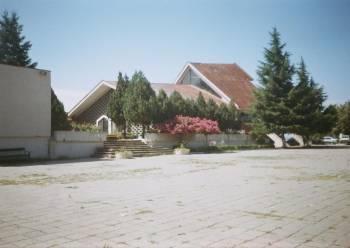 Ритуалната зала в гробищата