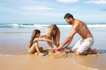 Семейство на плажа
